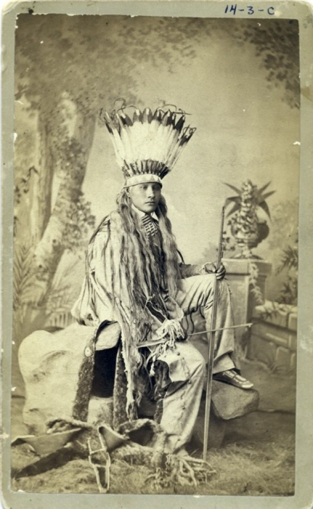 native american in traditional dress